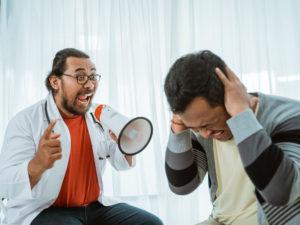 Что делать, есть сотрудник грубит пациентам?